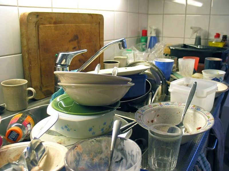 How to Host a Dinner Party: Cleaning Up